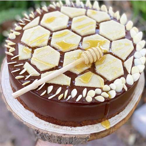 עוגת דבש שוקולד ומרציפן